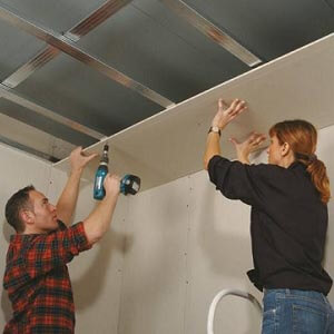 Installer un plafond Gyproc PlaGyp D